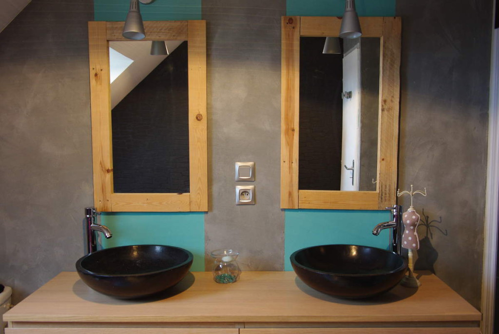 Customiser un miroir en bois maison design - Customiser un meuble de salle de bain ...