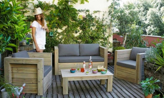 am nager la terrasse de son jardin en espace d tente. Black Bedroom Furniture Sets. Home Design Ideas